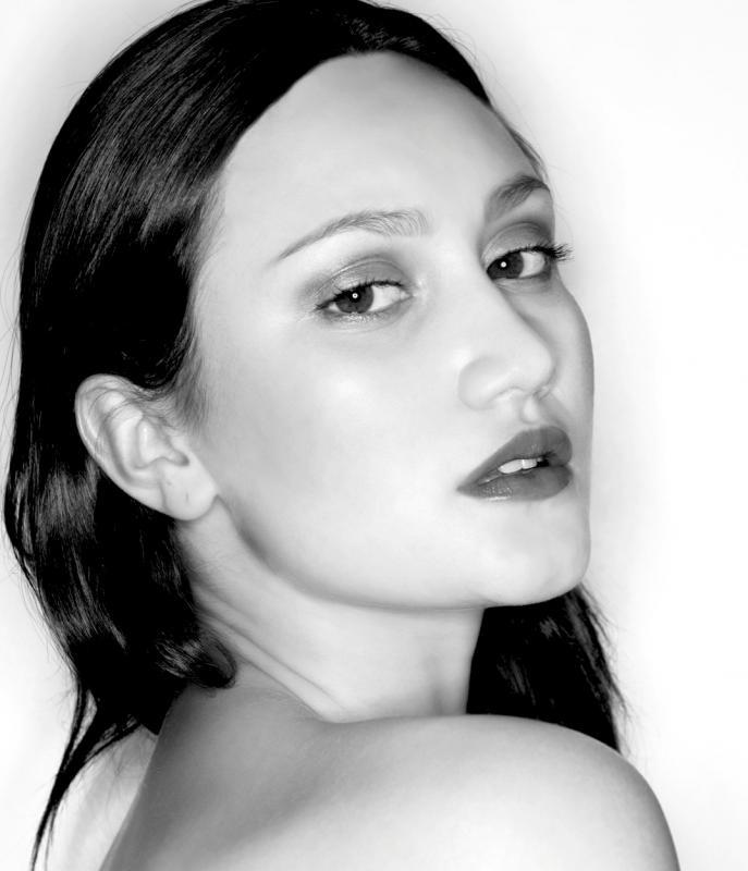 Elina Alminas Nude Photos 19